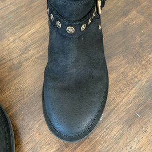 UGG Shoes - UGG oil rubbed suede boots
